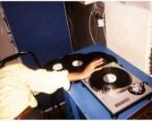 """They came, they left, they party'd"""" à la Galerie Intervalle, de la naissance de la scène Electro en France au début des années 1990 et du travail du DJ en tant qu'artiste."""