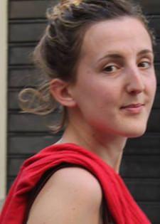 Anne Boudart étudiante Mastère Production de spectacle vivant attachée de presse Le Livre de proche